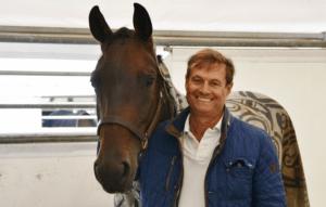 Dr. Klaus Banzhaf, Tierarzt und Züchter mit seiner Stute FBW Dottoressa auf dem Bundeschampionat 2018.